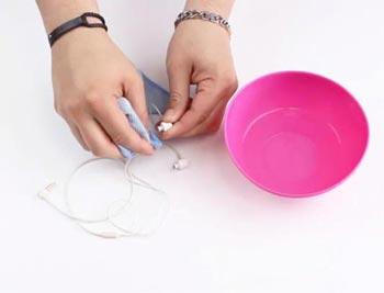 روش تمیز کردن هندزفری به صورت اصولی